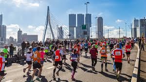 7 april: bemannen stand Marathon Rotterdam 1