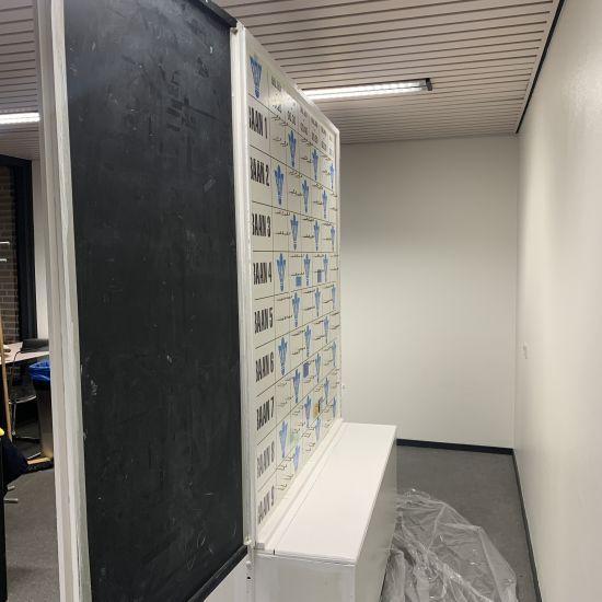 Het afhangbord afwezig i.v.m renovatiewerkzaamheden. 1
