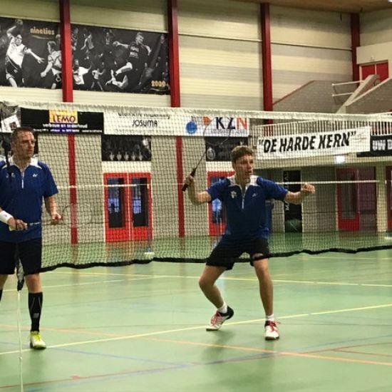 Team 1 speelt gelijk tegen Hekkensluiter!